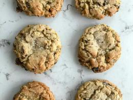 Highly Addictive Chocolate Chip Cookies