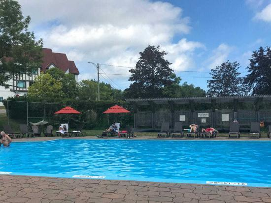 Algonquin Resort Pool
