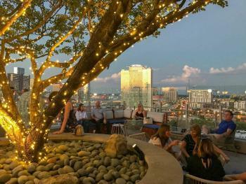 LA Jackson Rooftop Bar 2